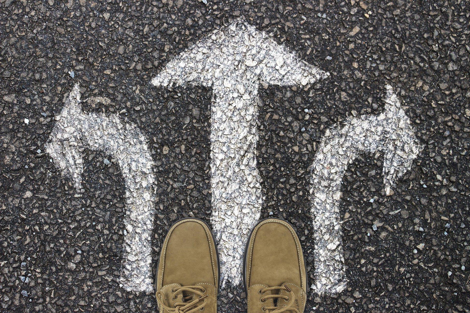 Widersprüche führen dazu, dass wir uns unsicher fühlen und nicht wissen, wie wir uns verhalten sollen.